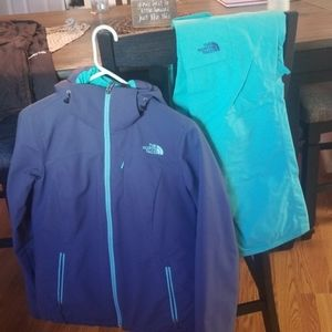 North Face Women's Ski outfit FIRM ON PRICE